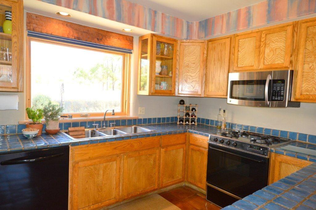 Taos Real Estate 211 Morada Lane TAOS MLS 96527 Kitchen